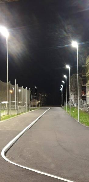 Åssiden Fotballhall gangvei belysning